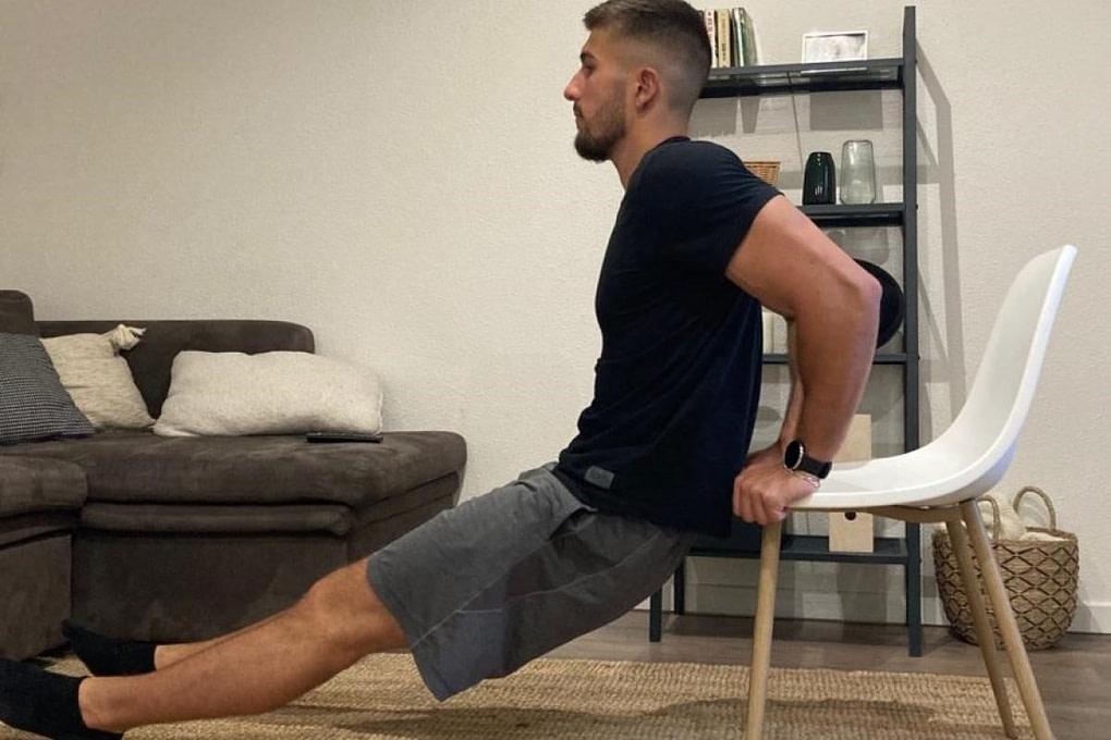 Calisthenics Workout Dips sur chaise