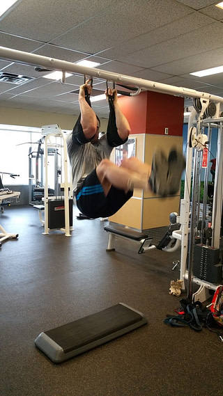 Exercice Street Workout - relevé de jambe